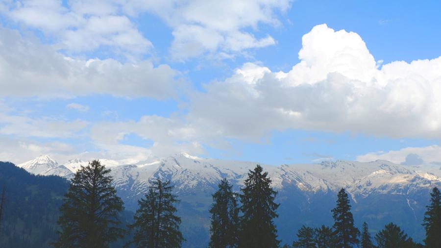 Manali-Himalayas-himachal-pradesh.jpg