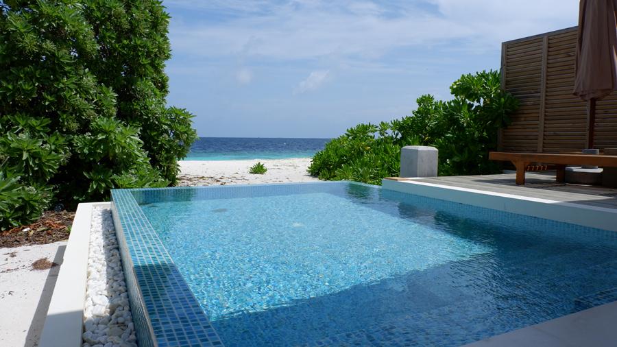 Dhigali_Maldives_BeachVilla1.jpg