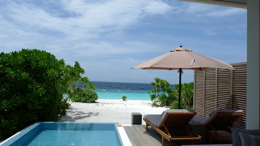 Dhigali_Maldives_BeachVilla5.jpg