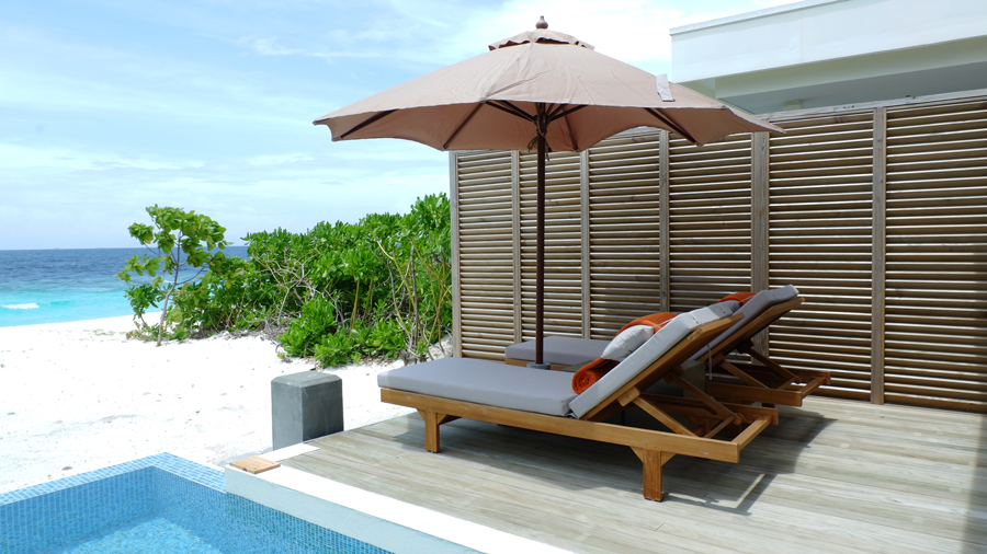 Dhigali_Maldives_BeachVilla6.jpg