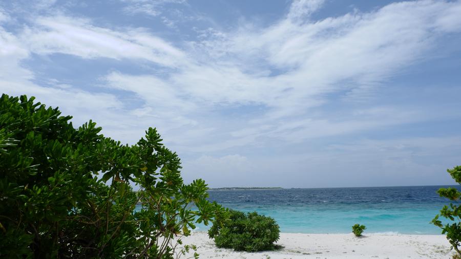Dhigali_Maldives_BeachVilla7.jpg