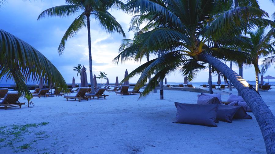 Dhigali_Maldives_Sunrise.jpg