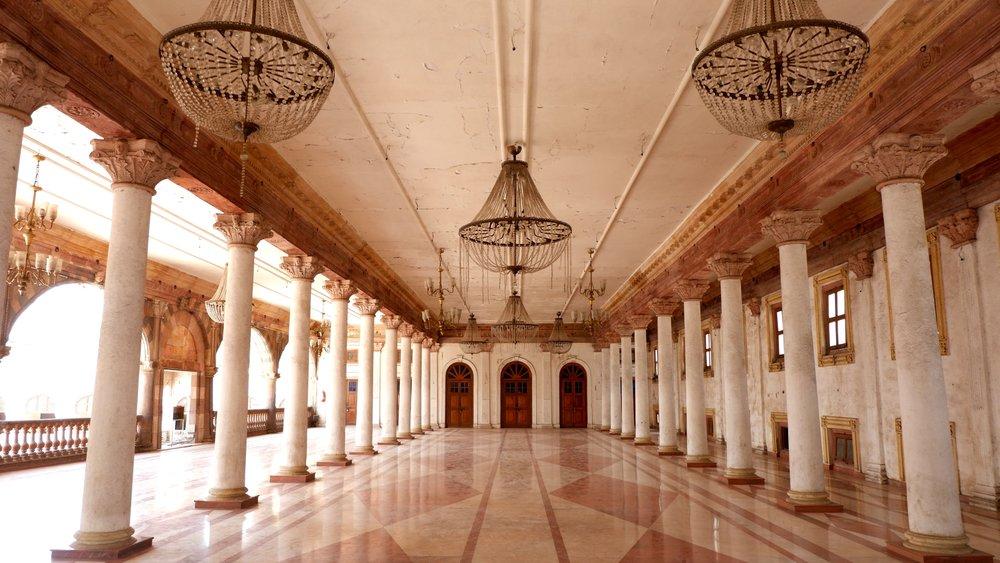 RajwadaPalace_Indore_Interior.jpg