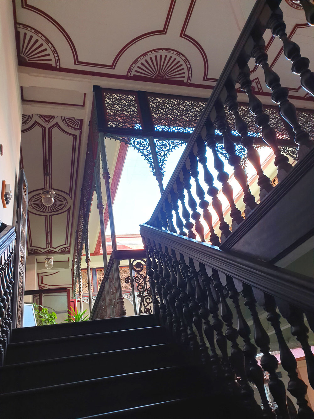 cheonggfatttze_mansion_stairs.jpg