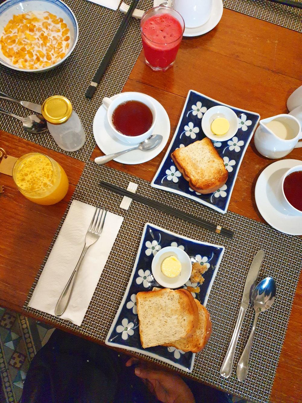 cheonggfatttze_mansion_breakfast.jpg