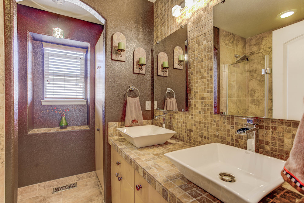 7206 Serena Drive_Bathroom2.jpg