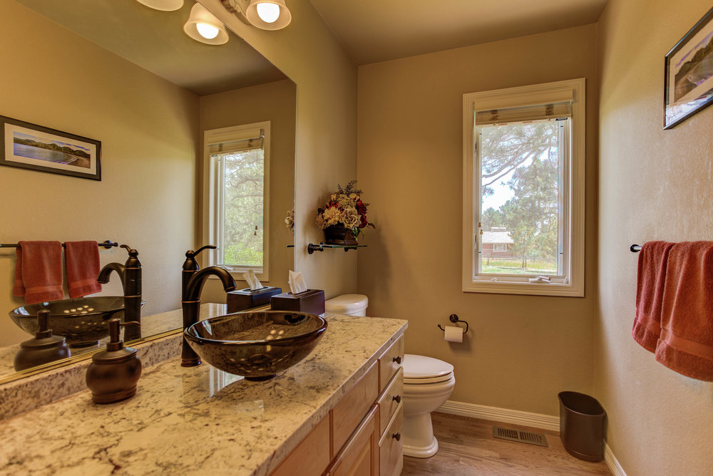 11786 Bear Creek Dr_PowderRoom.jpg