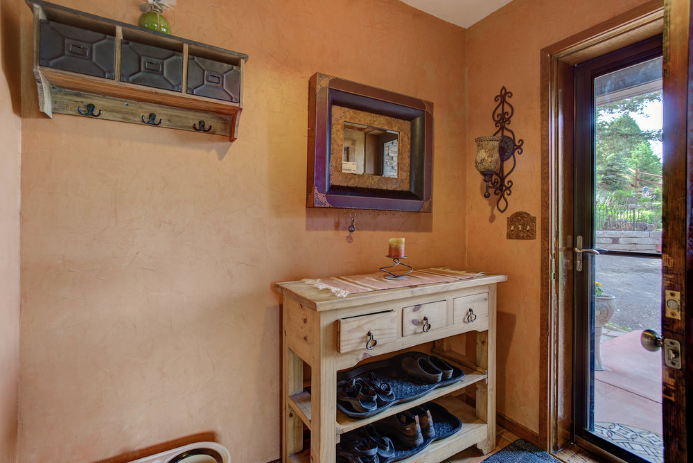 6537 Vesuvius Road_Mudroom.jpg