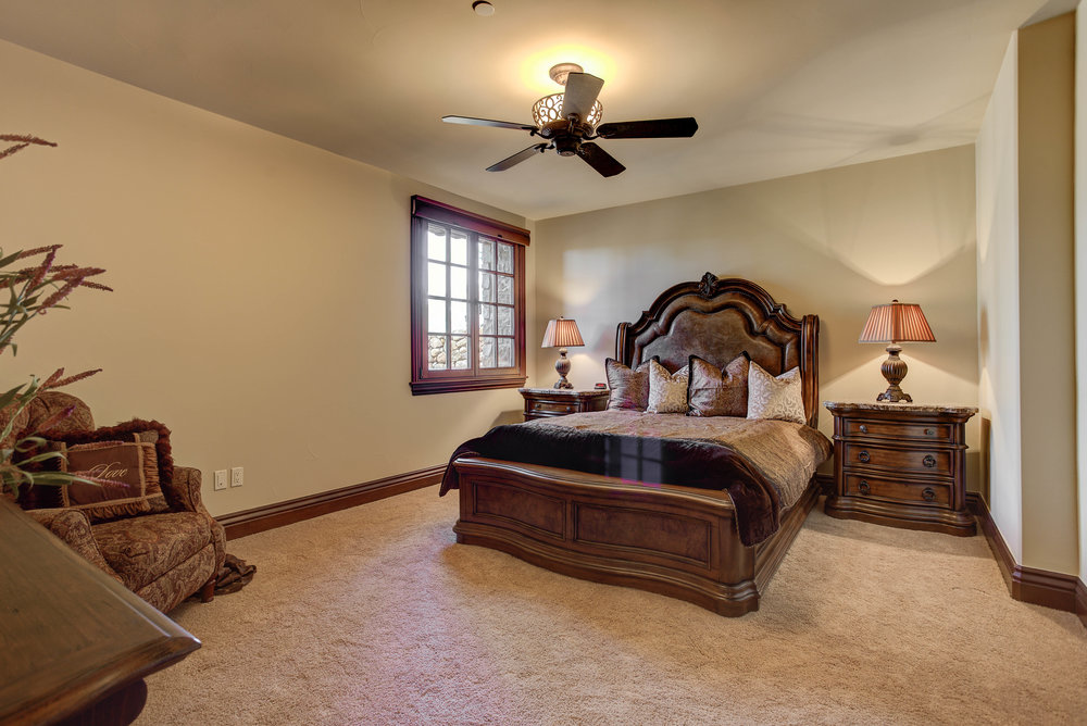 1+Eagle+Pointe+Lane_Bedroom4.jpg