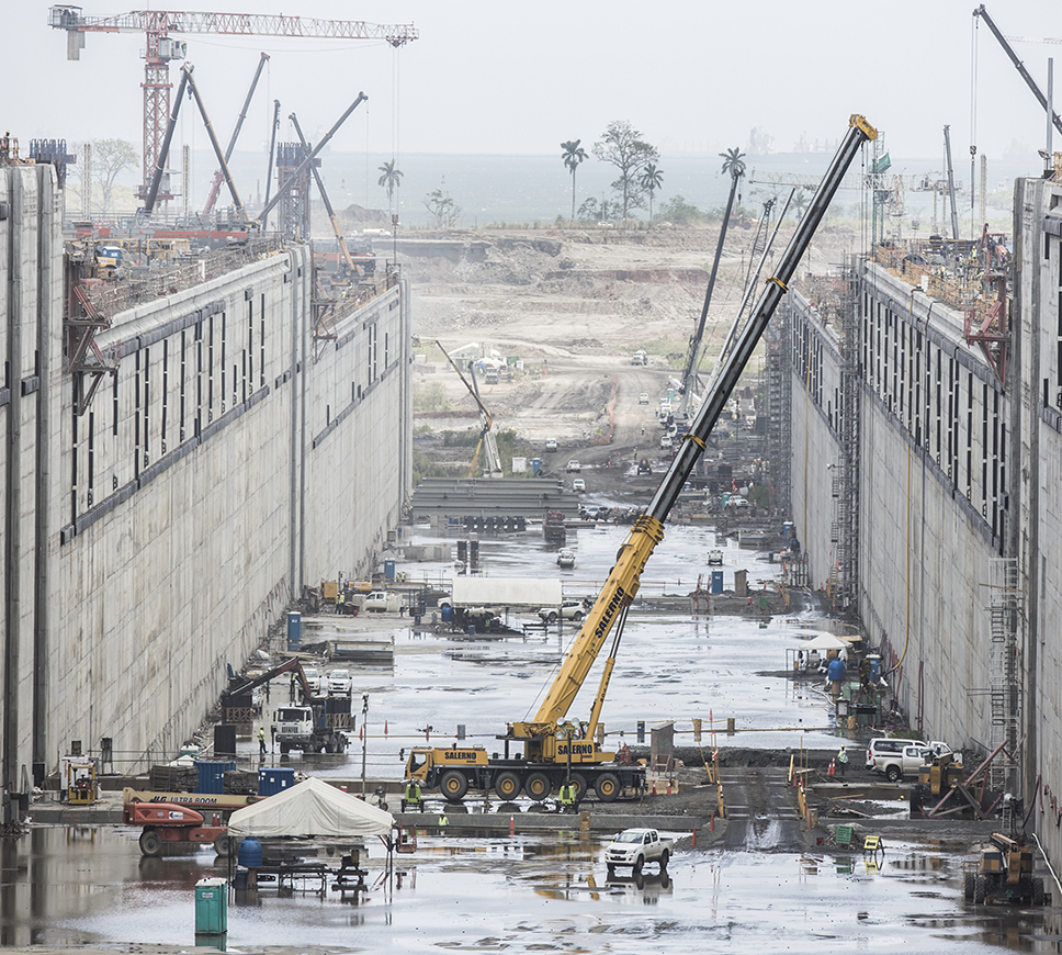 Expansion of the Panama Canal, Third Set of Locks