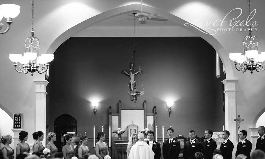 """wedding ceremony in Oakville church"""