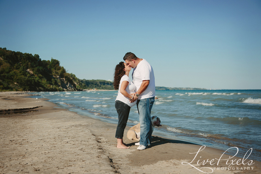 """couple kissing on the beach maternity pictures in toronto"""