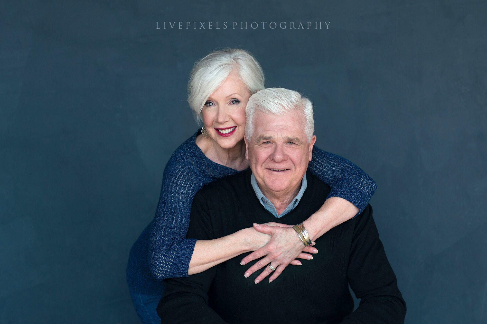 Best Anniversary Gift Idea, 30th anniversary studio portrait - Livepixels Photography, Toronto / livepixelsphotography.com