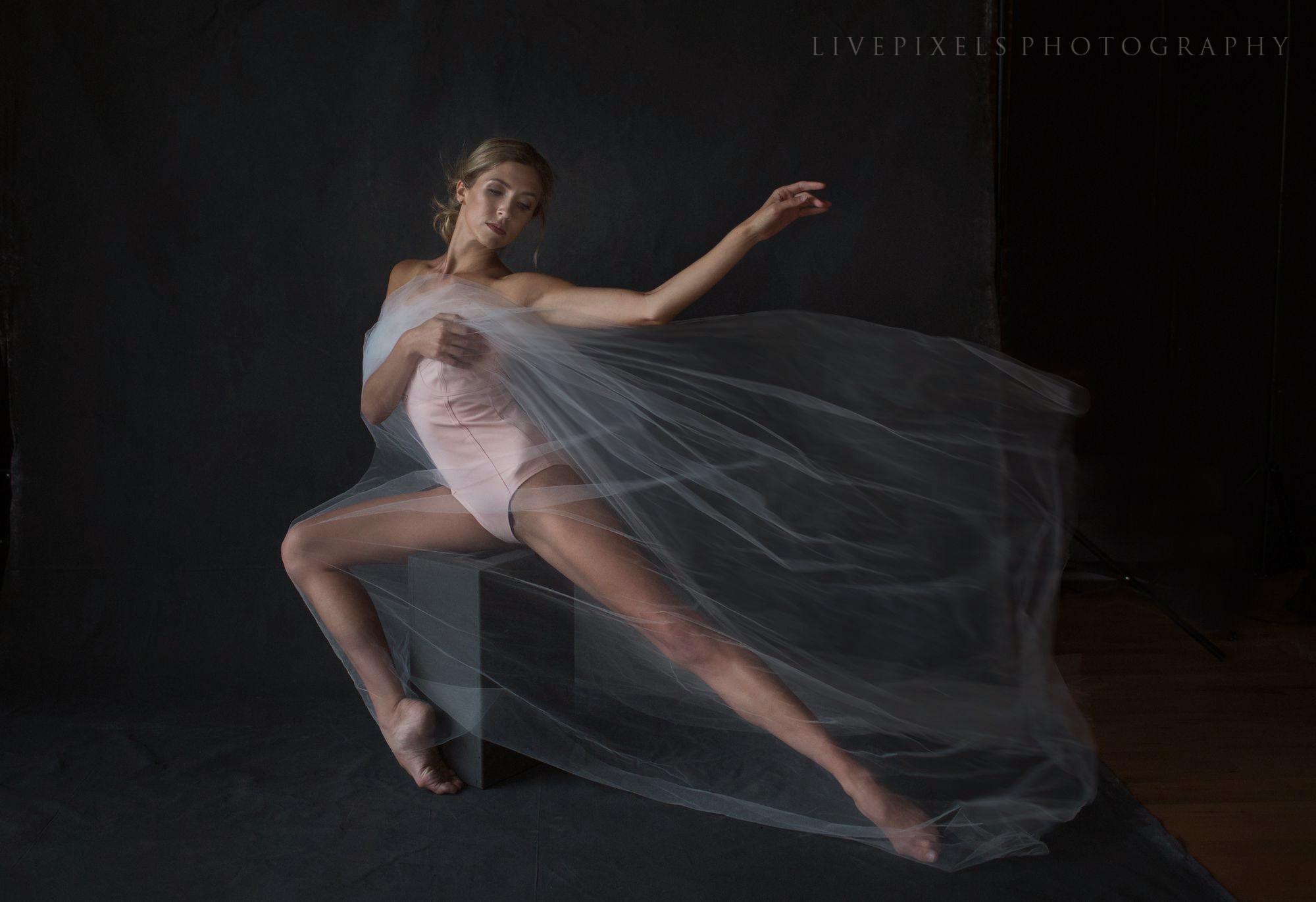 Glamour Beauty Boudoir Dancer portraits - Livepixels Photography, Toronto / livepixelsphotography.com