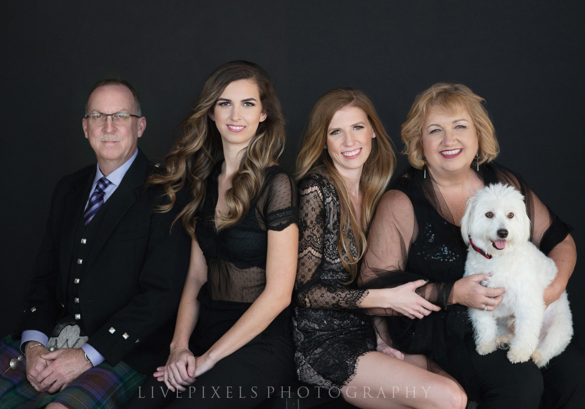 Toronto Portrait Photography Elegant Family Portrait - Livepixels Photography, Toronto / livepixelsphotography.com