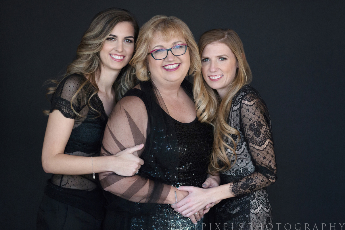 Portrait of Mother and Her Two Daughters - Livepixels Photography, Toronto / livepixelsphotography.com