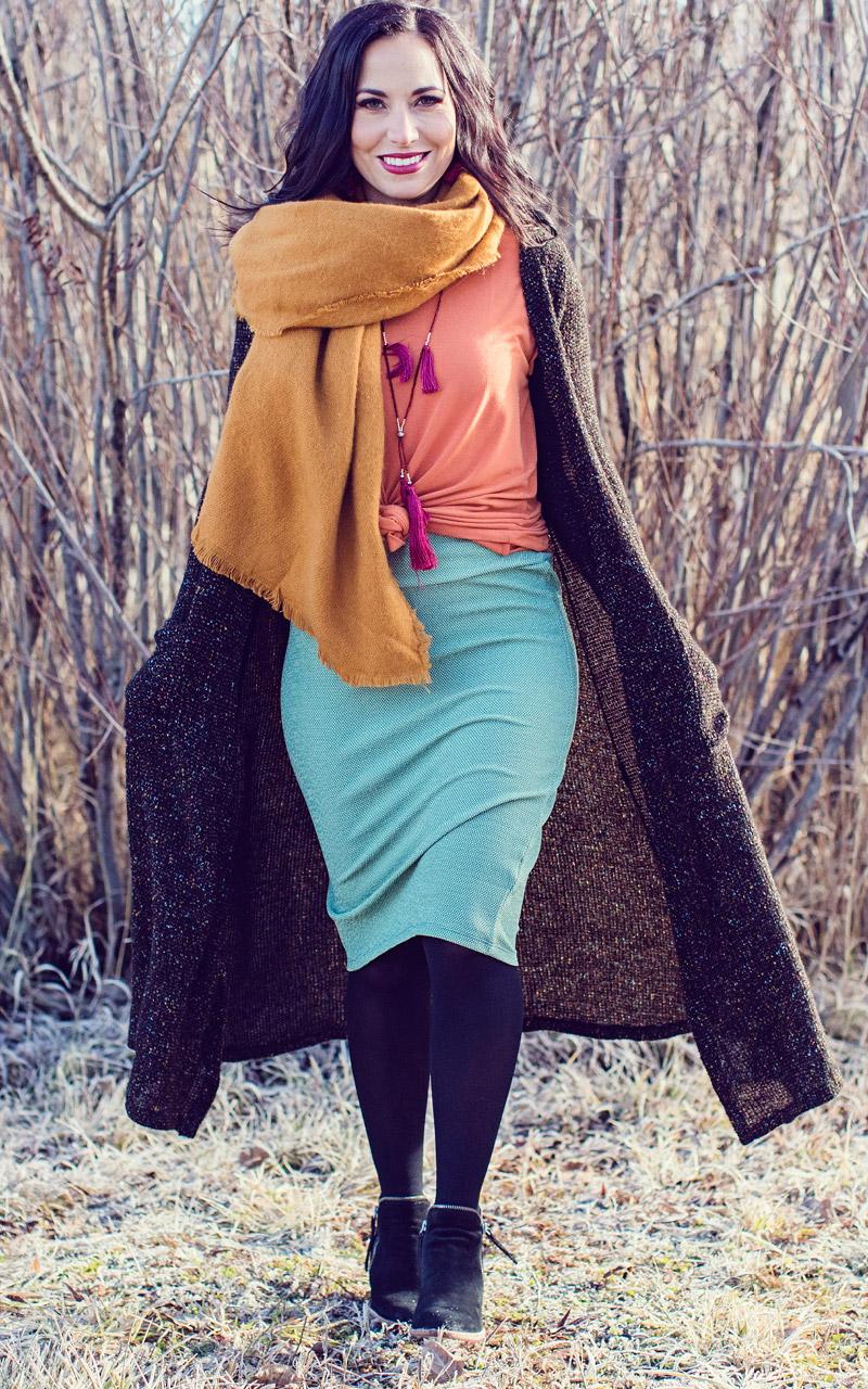 LuLaRoe-Cassie-Mid-Length-Pencil-Skirt-turquoise-solid.jpg