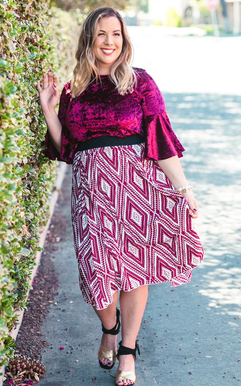 LuLaRoe-Jill-Pleated-mid-length-elastic-waistband-burgundy-white-geometric-pattern.jpg