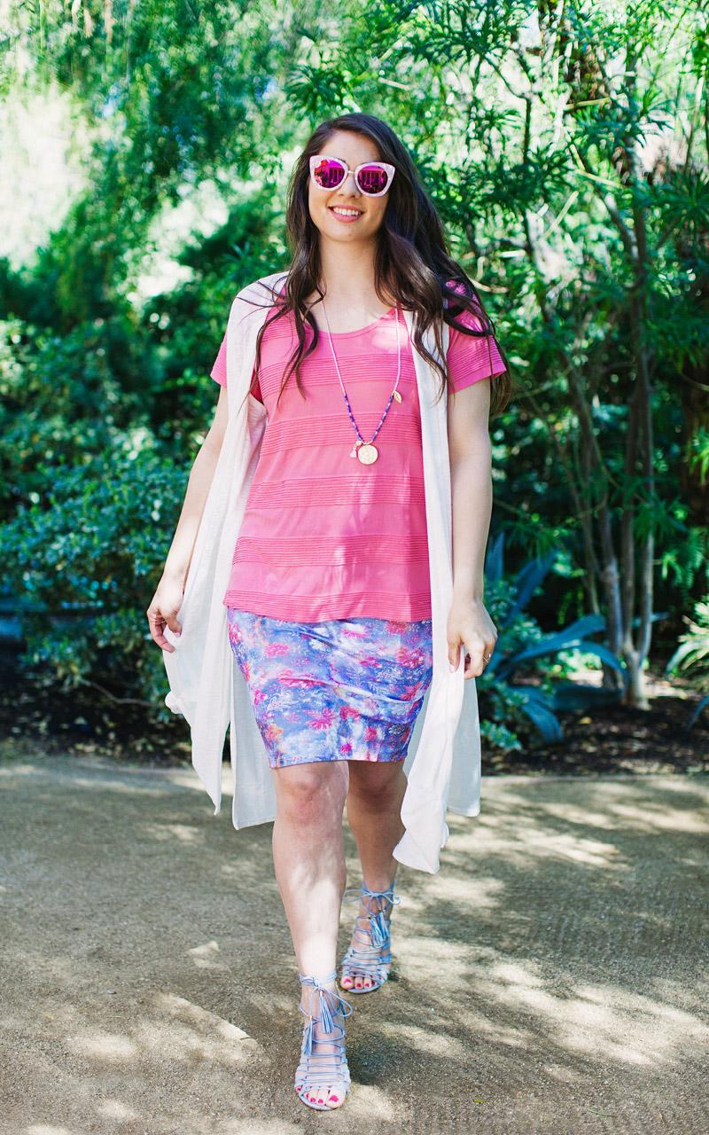 LuLaRoe-Classic-T-shirt-texture-pink.jpg