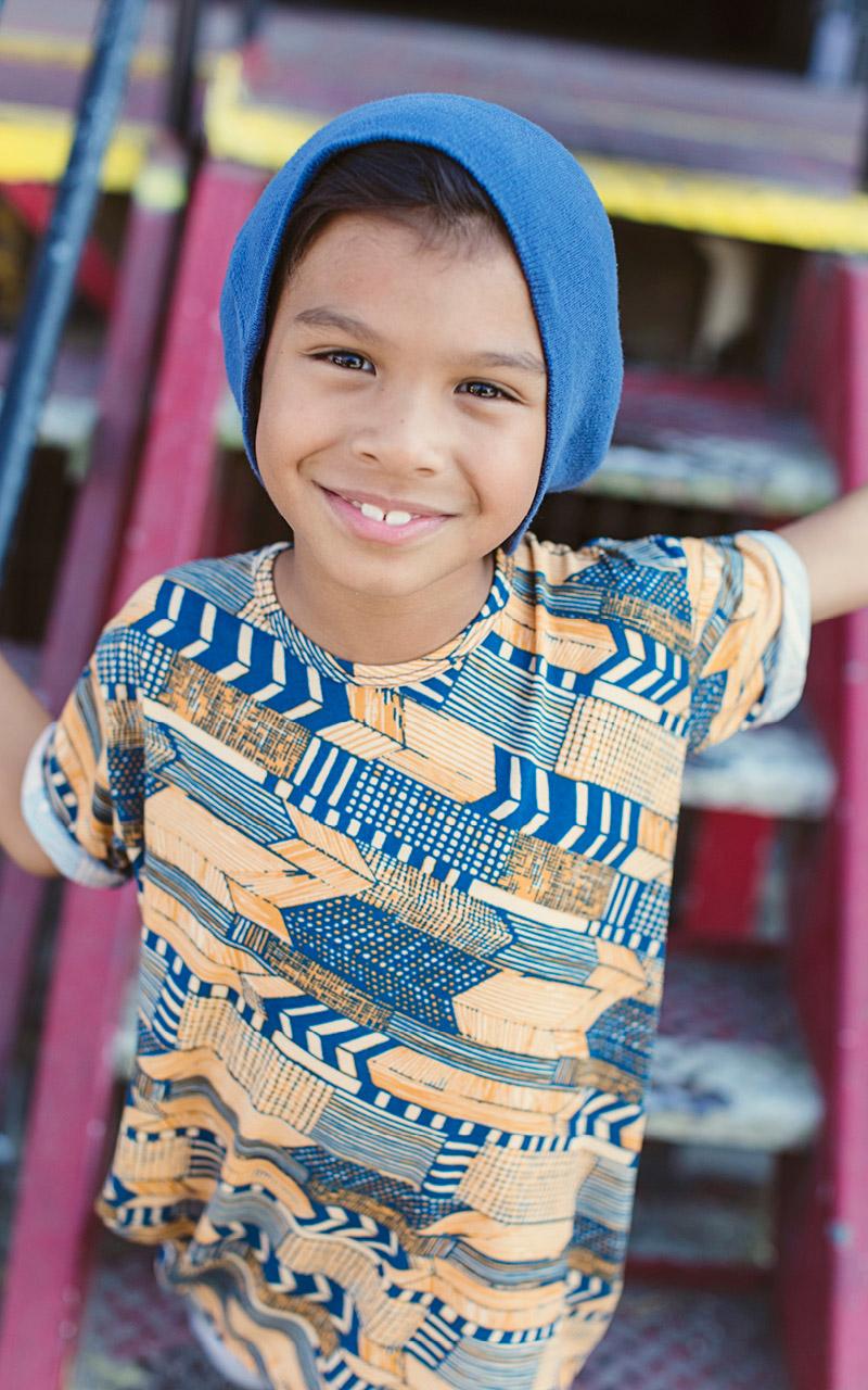 LuLaroe-Gracie-Top-High-Low-T-Shirt-Kids-blue-and-yellow-arrows.jpg