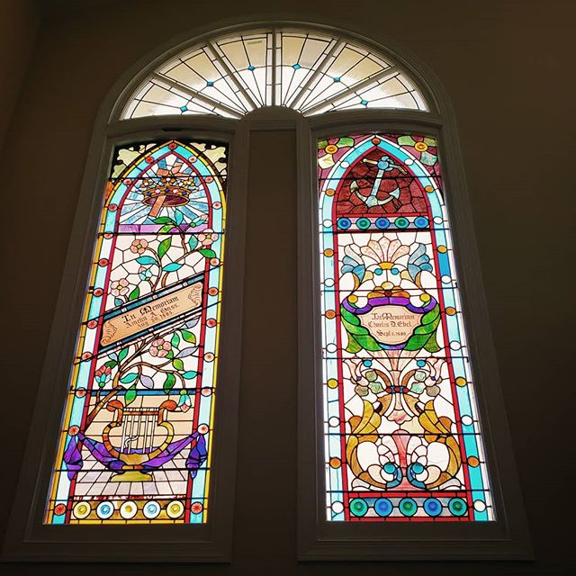 Saw an amazing church-to-condo today with my client, and they kept these stunning stained glass windows 🤩🤤💖 --- #walkwithlocals#202creates#bythings #washingtondc#mydccool#acreativedc#realestate#realtor#dcre #dcneighborhoods#realty#home#housing#dchomes #dcrealestate#dc#dmv#marketing #realestateagent#igdc #wethepeople #carissahart #carissahartre #homes #local #forsale #condo #church #conversion #stainedglass