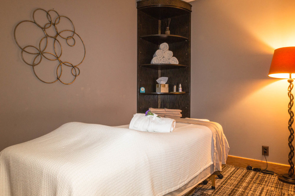 MedicalMassageGroup_Treatment_Room_01.jpg