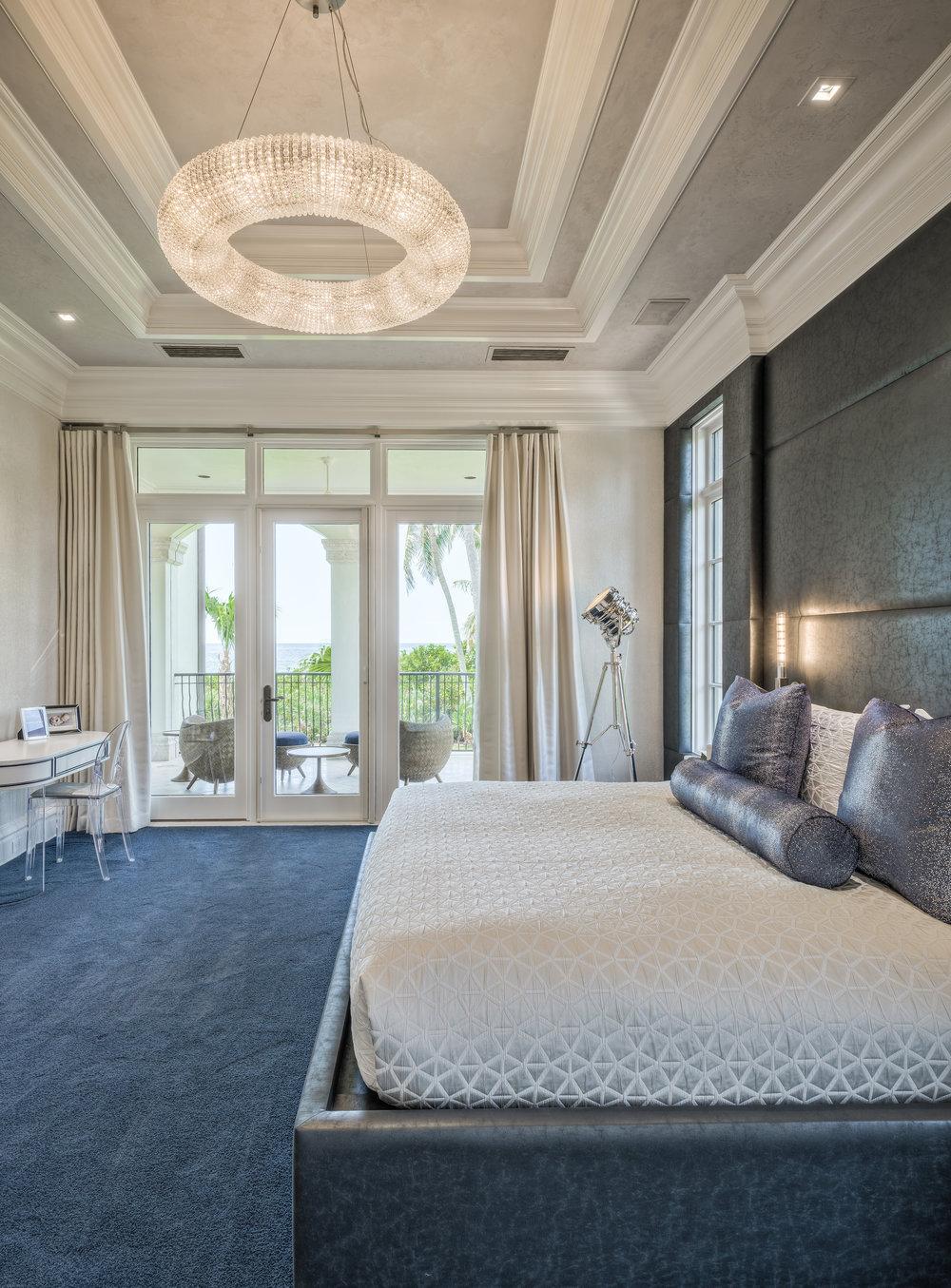 Private Beachfront Estate Ocean-Side Guest Suite