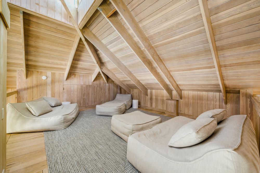 Private Island Beach House Open concept, upper loft