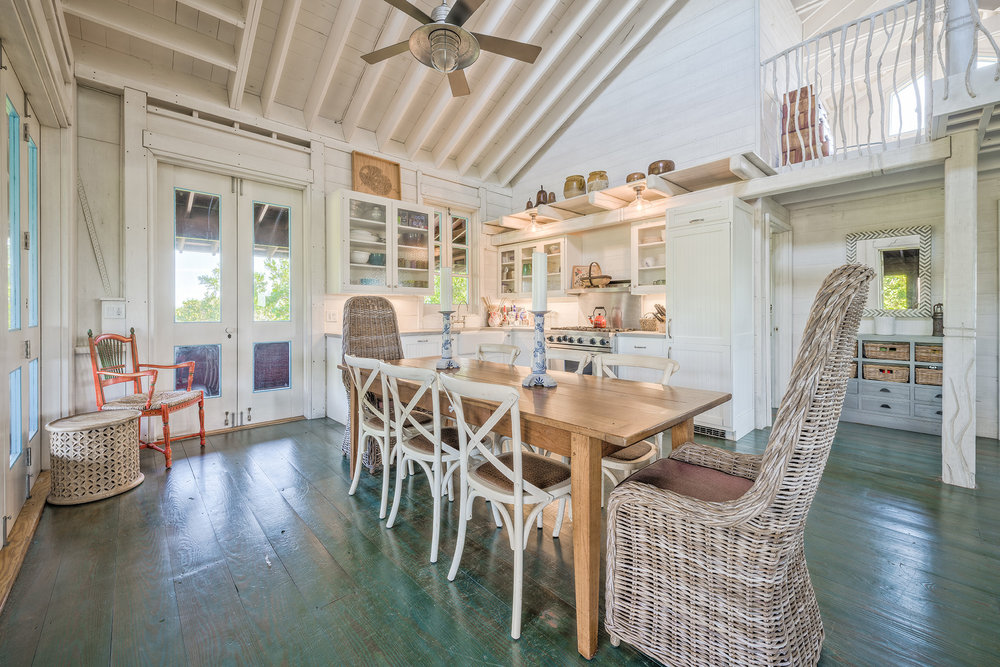 The Tree House, Open Concept Kitchen Space(4)