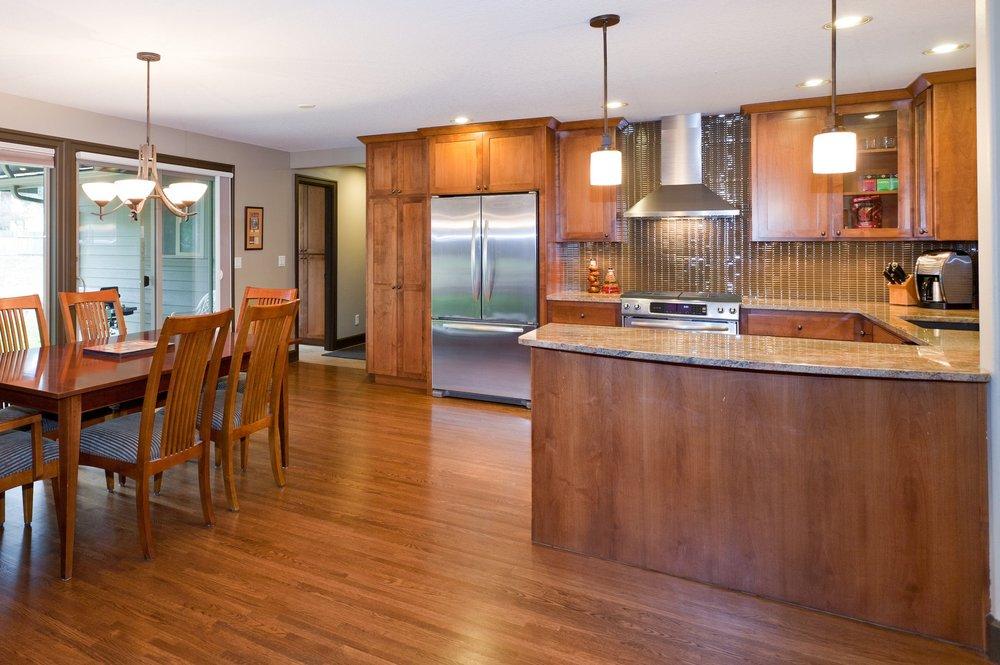 Kitchen&DiningArea2.jpg