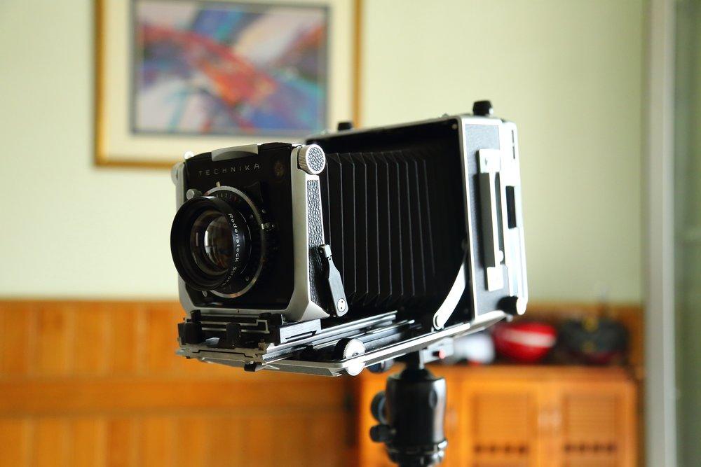 analogue-aperture-blur-247807.jpg