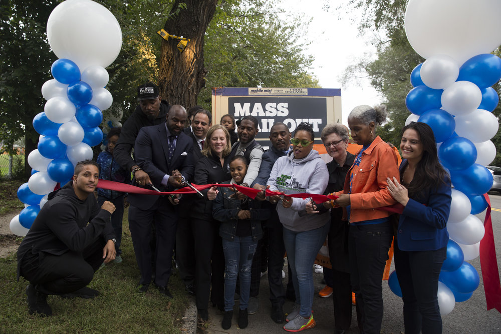 Grand opening of the Mass Bail Out Welcome Center outside of the Elmhurst, Queens entrance to Rikers Island. Some attendees pictured include Borough President Melinda Katz (center), Council Member Jumanne D. Williams of District 45 (center right) and Council Member Costa Constantinides of District 22 (center left). //  Eagle  Photo by Clarissa Sosin