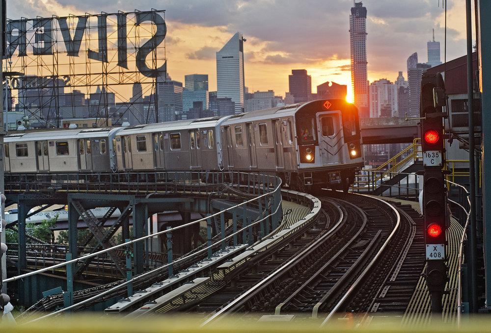 A no. 7 train chugs through Queens. Metropolitan Transportation Authority / Patrick Cashin.