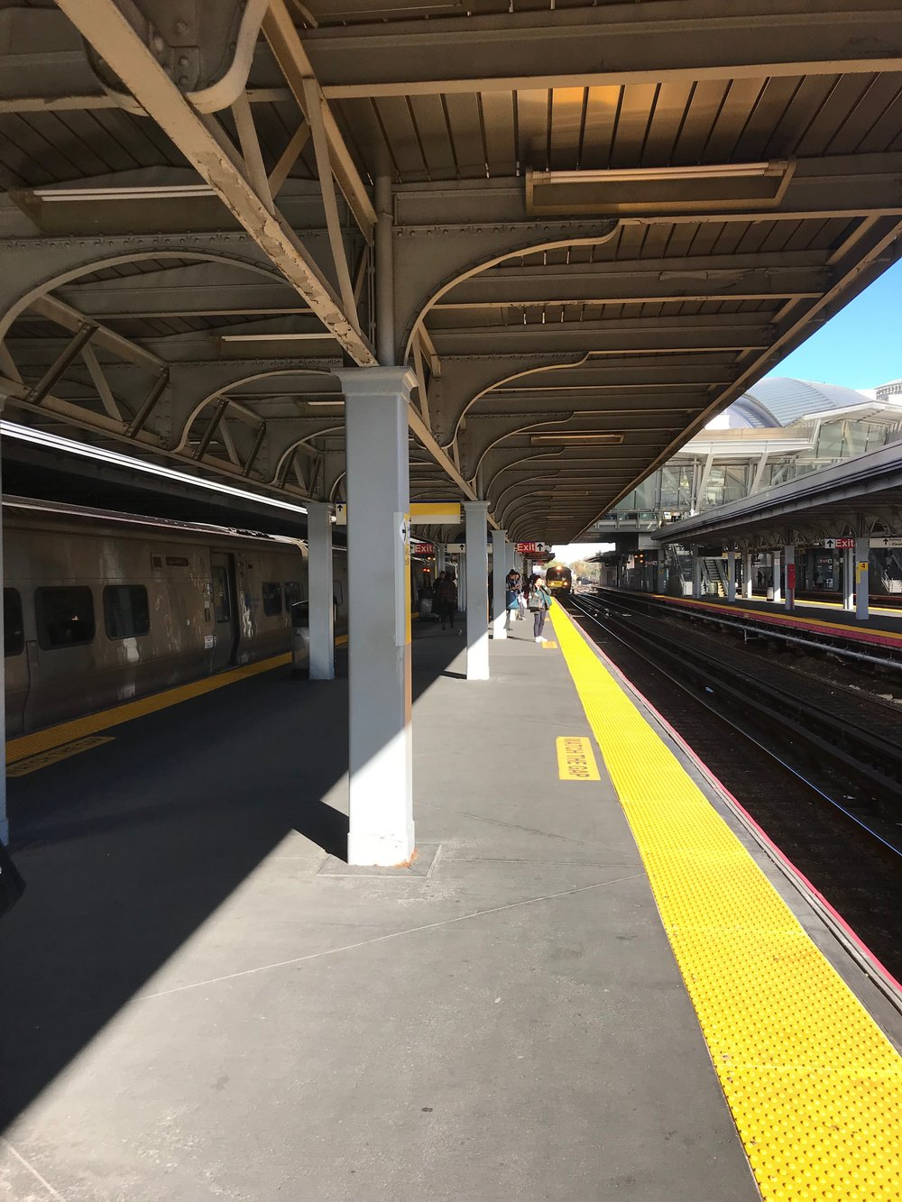 The LIRR platform at Jamaica.  Eagle  photo by Jonathan Sperling.