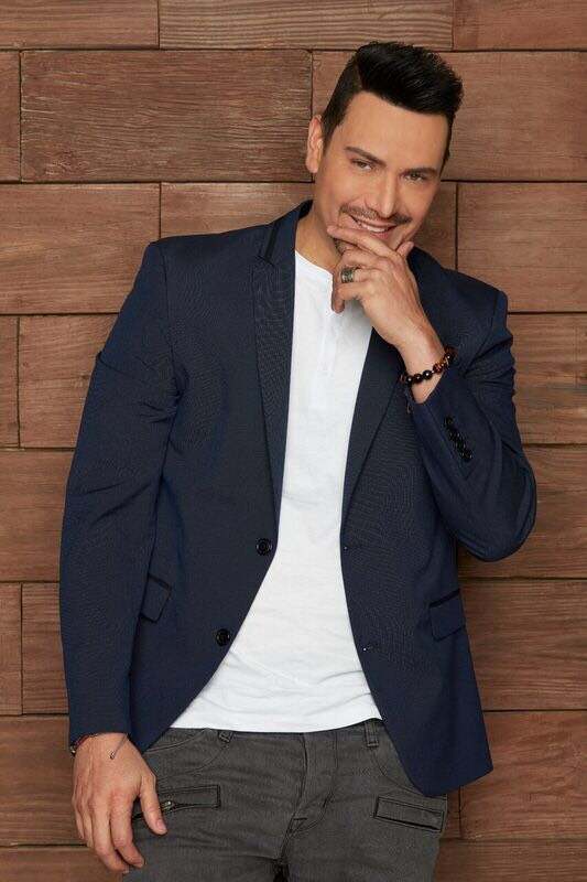 Grammy-winning salsa singer Victor Manuelle will perform at Queens College's Kupferberg Center on Feb. 15. Photo courtesy of Queens College.