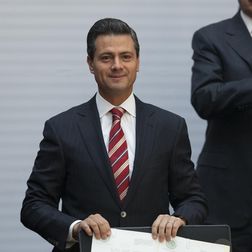 """On Tuesday, Alex Cifuentes, a Colombian drug trafficker, testified that Mexican cartel leader Joaquin """"El Chapo"""" Guzman boasted about paying a $100 million bribe to former Mexico president Enrique Pena Nieto. (AP Photo/Alexandre Meneghini, File)"""