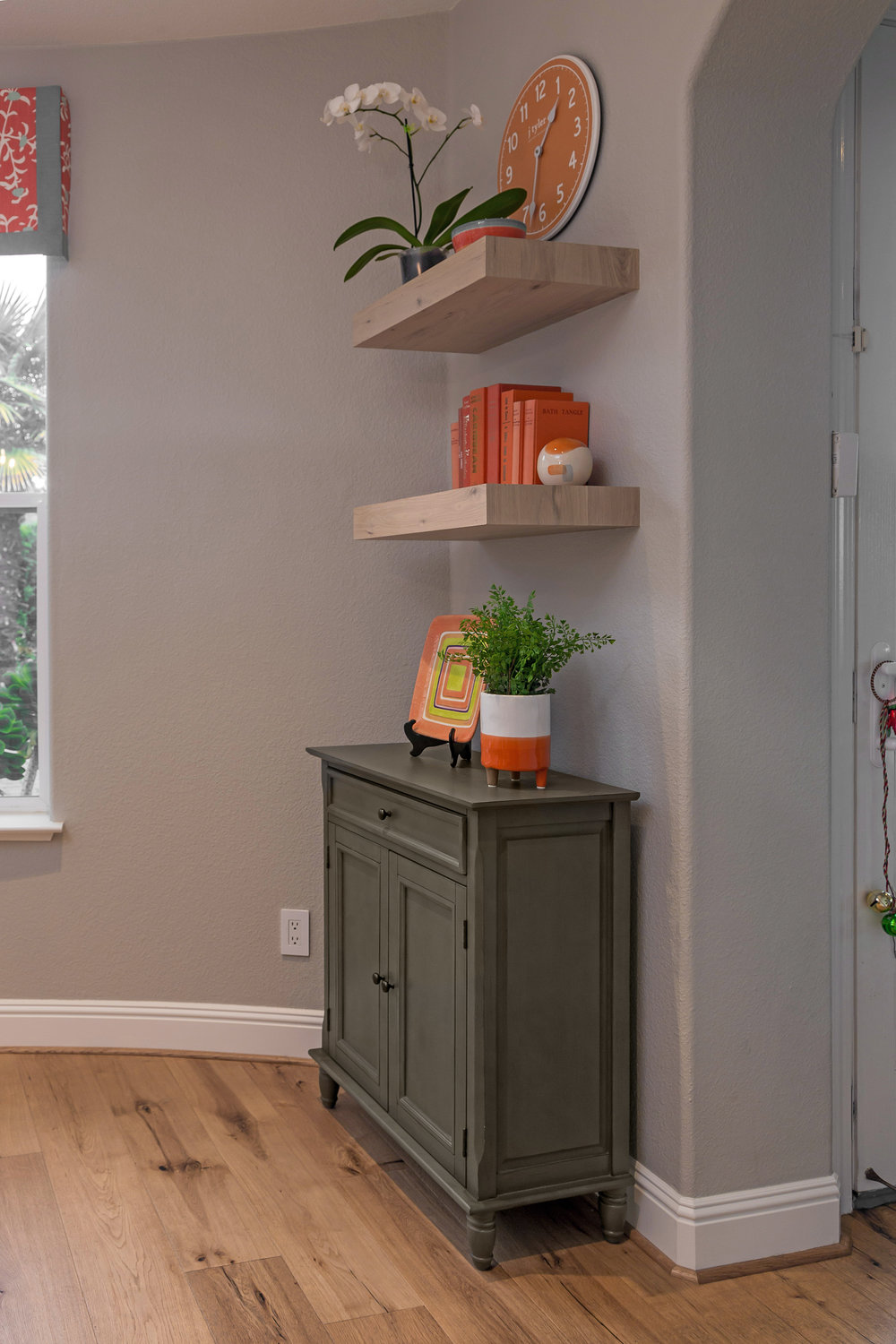 The subtle, gentle beauty of Revere Pewter by Benjamin Moore