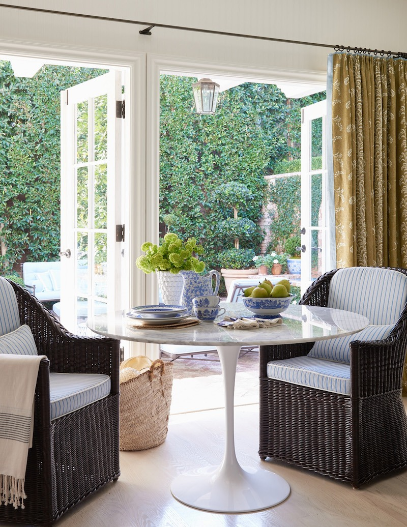 11_Mark_D_Sikes_Hollywood_Hills_2-kitchen-looking-into-the-patio.jpg