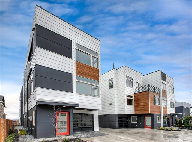 4439 41st Ave SW · Seattle · $915,000