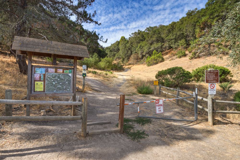 Great location, just steps to the Heintz Open Space trailhead with hiking, bicycling and horse trails. Close to the popular neighborhood Belgatos Park