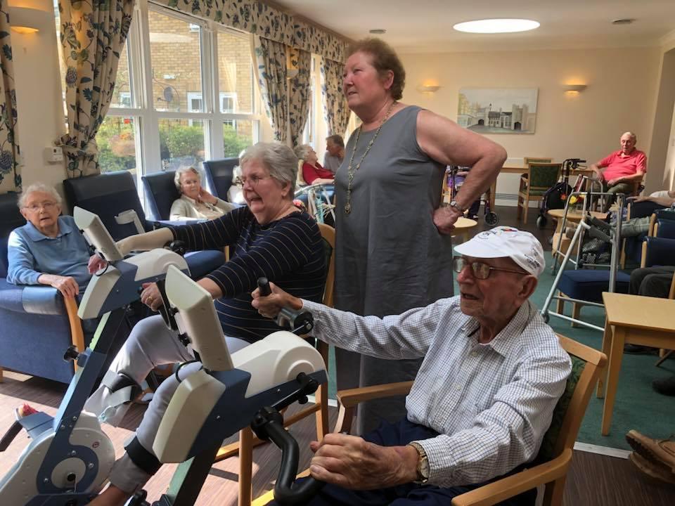 ORDFØREREN ER MED: også i England på Somerset Care