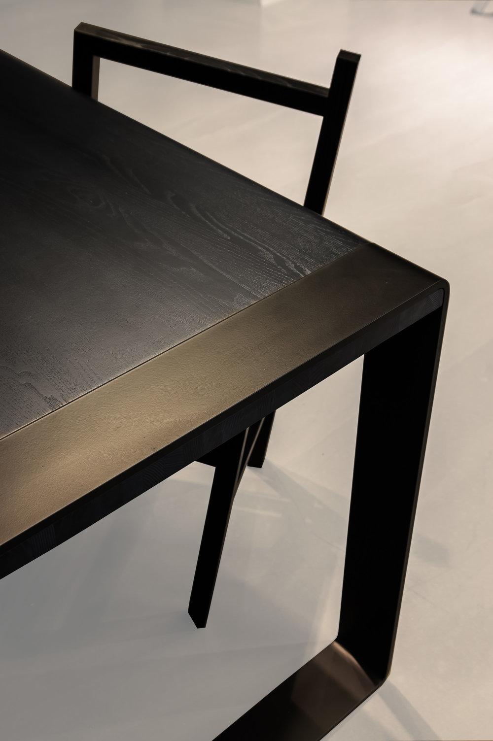 In-between  matbord, design: Eva-Lotta by Nude. (Fotograf, Andreas Dienert    )
