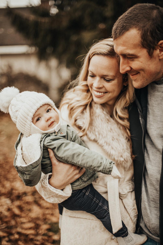 Cucinotta Family Christmas-3.jpg