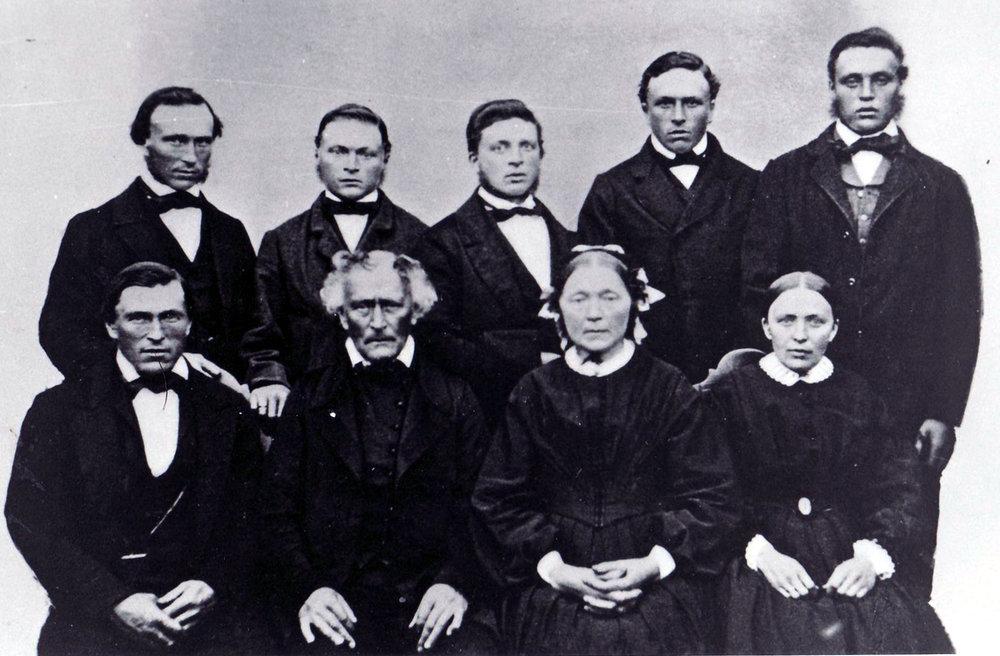 Fam. Strøm på Havn 1860-tallet.JPG