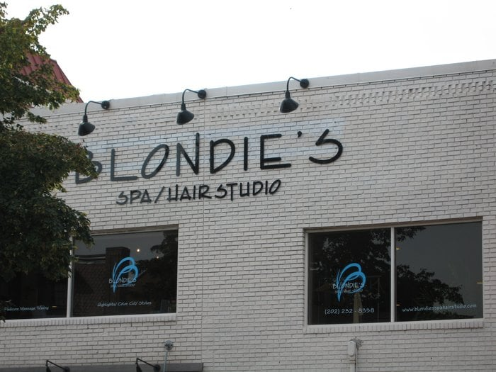 blondiessalon.jpg