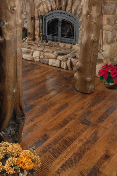 saw-cut-red-oak-hardwood-flooring.jpg