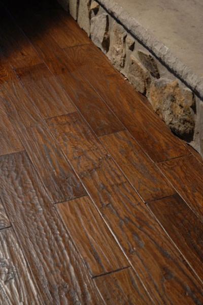handscraped-red-oak-hardwood-flooring.jpg