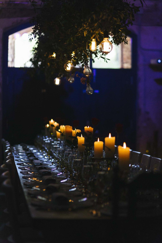 mesa con velas.jpg