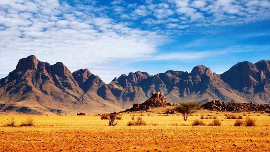 African-Savannah-desert-mountains-sky-stones-landscape-Ultra-HD-Wallpaper-for-Desktop-3840x2160-915x515.jpg