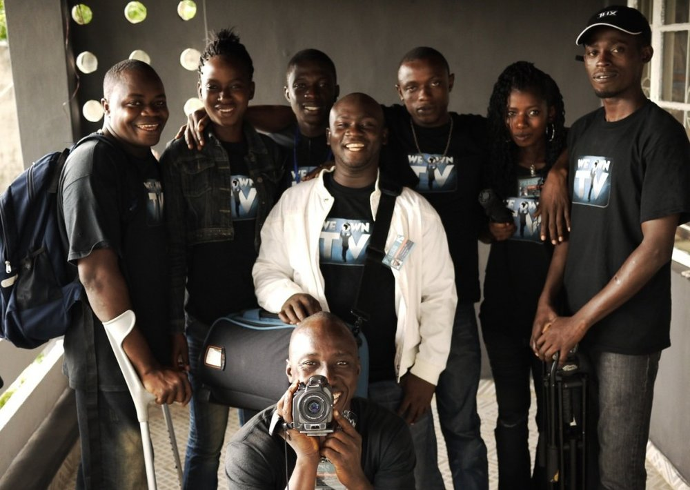 WeOwnTV Mentors: Alluspa Soumah, Kanku Thoronka, Earnest Sesay, Mustapha Brima, Tyson Conteh, Fanta Jabbie, Arthur Pratt and holding the camera Frank T.O. M'Cormack.